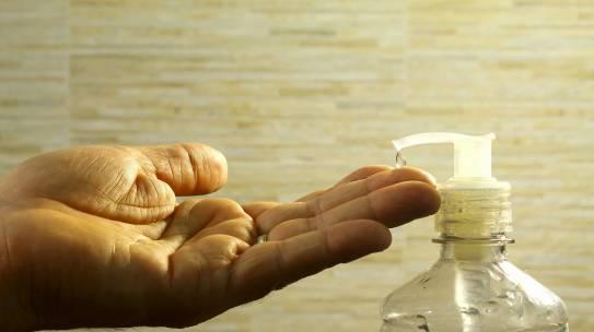 Stroški higienskih ukrepov, kdo jih je dolžan kriti: gostinci ali država?
